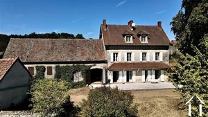 Maison de maître dominant la Vallée des Vaux