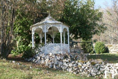 Garden summer house