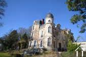 Château XIXe avec dépendance, 27 chambres, prêt à l'emploi