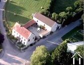 Maison de maitre avec cour et grande grange