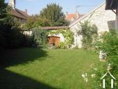jardin clos devant la maison