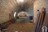 <en>large winemakers cellar of 80 m2</en>