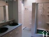 <en>bathroom in the apartment</en>
