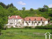 Petit hôtel avec maison des propriétaires et piscine