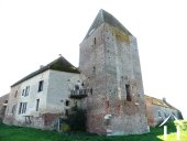 Château médiéval avec 5 hectares de terrain