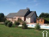 Maison de campagne renovée avec piscine
