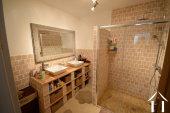 Salle de bain au rez de chaussee