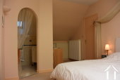 chambre principale avec salle de bains