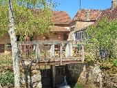Ferme et moulin au calme près de Cluny