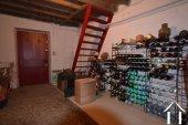 cave à vin à côté du garage