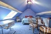 Grande chambre sous les toits
