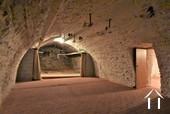 Une des nombreuses caves voûtées