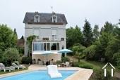 Maison de maître en bord de Saône avec piscine