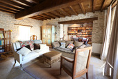 Maison au cœur de Meursault avec 4 caves & 1 cour privée