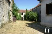 Maison de village, grange et terrain