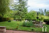Jardin avec puits