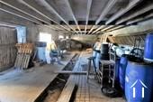 etable de 160 m2 à coté de la grange