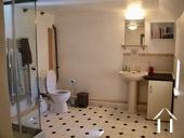 salle de bain avec toilette - étage