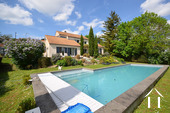 Maison d'architecte très lumineuse avec piscine et vue