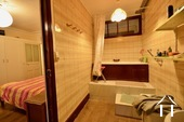 bathroom en suite of master bedroom downstairs
