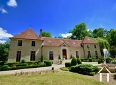 18th century castle for sale in Chablis