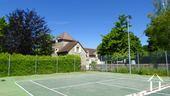 Tenniscourt with lights