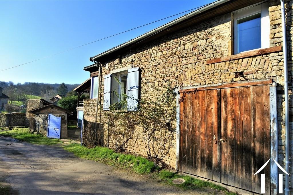 Maison de 3 chambres avec atelier et grange près de Cluny